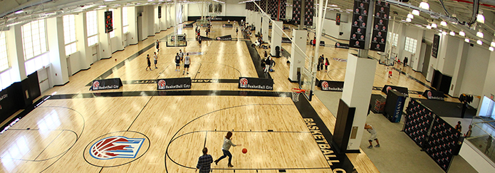 Join the tournament at Basketball City