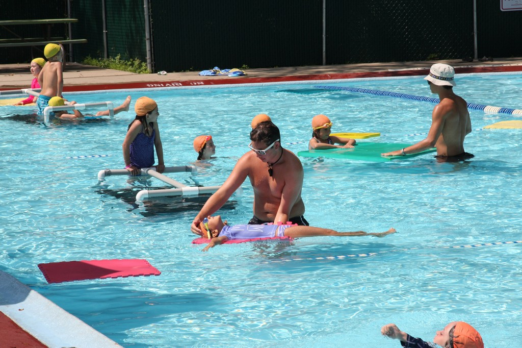 Instructional swim with platforms and floaters